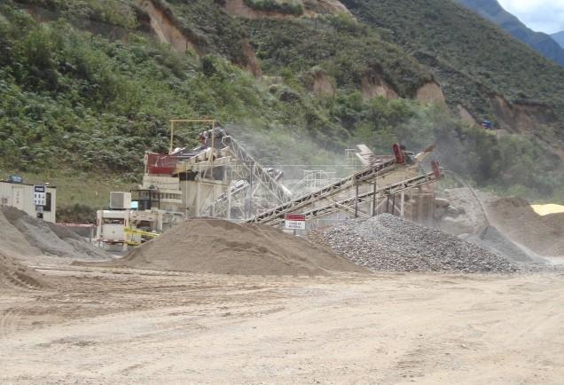 Chancadora en proceso, La Granja Rio Tinto en Cajamarca Perú - Foto 1