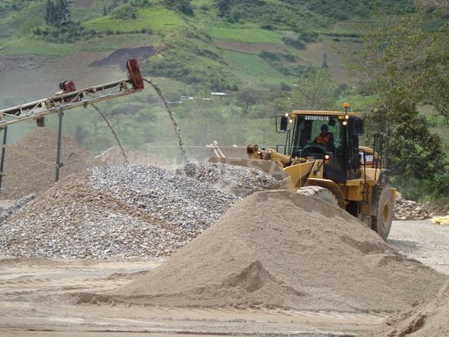 Chancadora en proceso, La Granja Rio Tinto en Cajamarca Perú - Foto 2