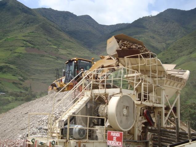 Chancadora en proceso, La Granja Rio Tinto en Cajamarca Perú - Foto 4